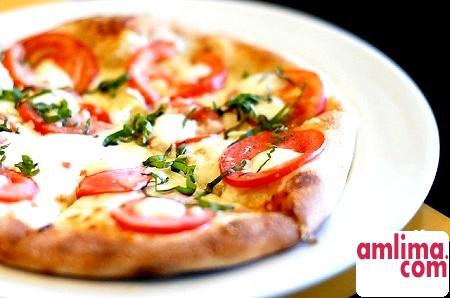 Піца в мікрохвильовці: швидко і смачно