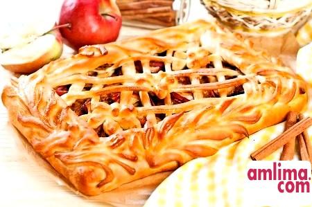 Пиріг з яблуками і корицею: душевна випічка для ласунів