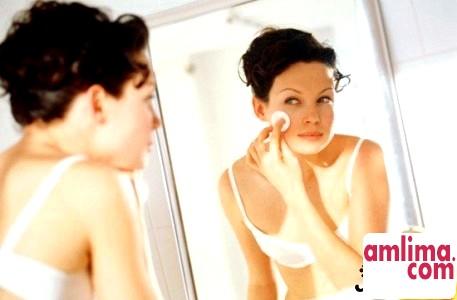 П'ять найбільш ефективних способів зняти макіяж