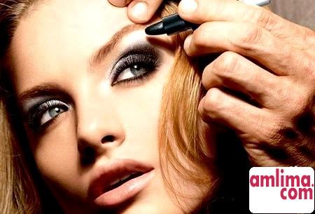 Правильний макіяж для вузьких очей - рішення є завжди!