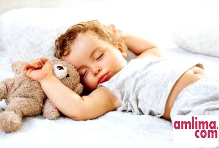 Причини дитячого хропіння і як з ними боротися
