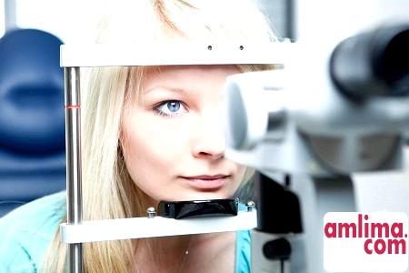 перевірка зору у офтальмолога