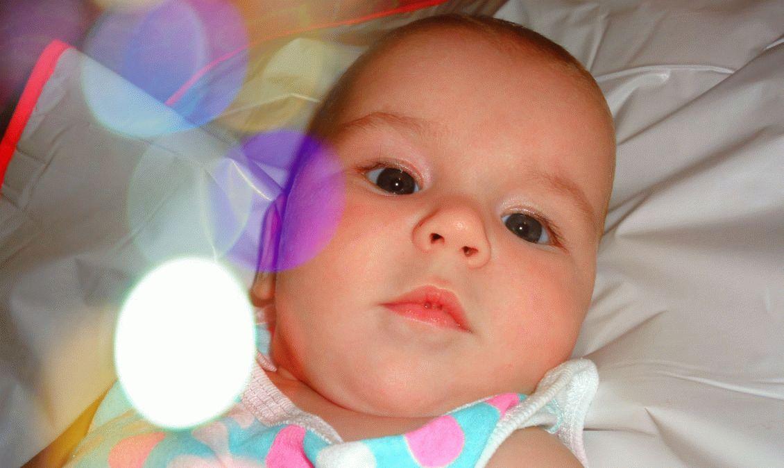 Дитина від народження і до року: розвиток по місяцях