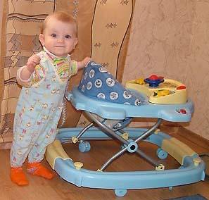 Фото - дитина в 9 місяців