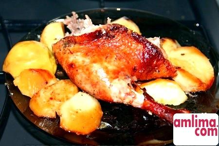Рецепт качки з картоплею для тих, хто любить готувати