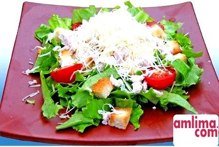 Рецепти для повсякденного меню: салат з креветками і пекінською капустою