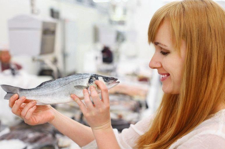 Риба при грудному вигодовуванні (червона риба, солона, копчена, сушена, річкова, смажена, в'ялена)
