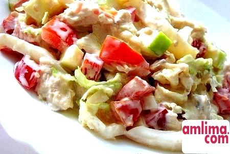 Салат з пекінської капусти з помідорами