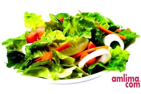 Салат з солоних огірків - простіше нікуди
