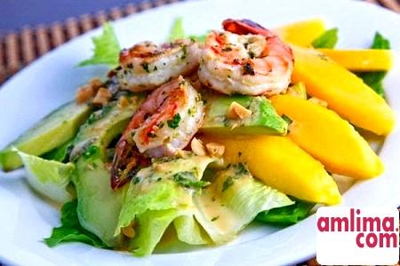 Салат з авокадо і креветками: кухня справжніх гурманів