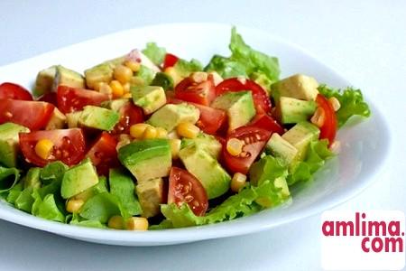 Салат з авокадо і огірком: освоюємо кулінарну екзотику