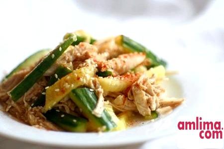 салат з курки з солоними огірками