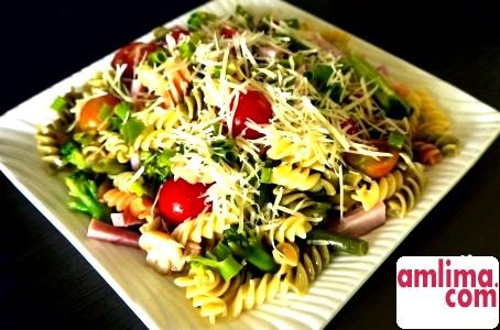 Салат з макаронами: оригінальне блюдо на кожен день