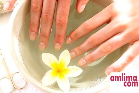Секрети правильного догляду за нігтями