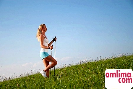 Скандинавська ходьба швидким кроком до здоров'я і красу
