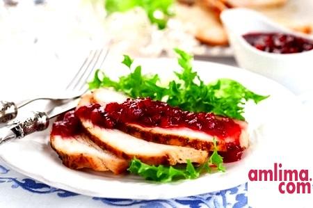 Соус з журавлини - оригінальне доповнення до м'яса