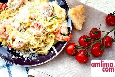 Спагетті з креветками у вершковому соусі - ніжно, пікантно, вишукано