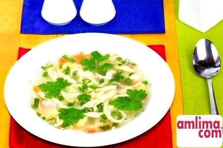 Суп з домашньою локшиною в кращих національних традиціях