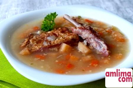 Ситний обід: гороховий суп зі свининою