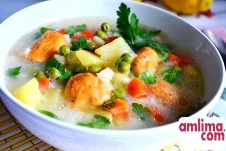 Такі різні рецепти супу з галушками
