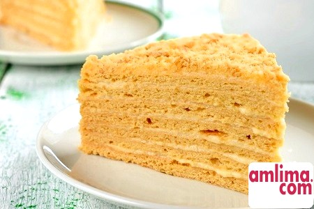 Торт «Наполеон»: рецепт зі сметаною на сучасний манер