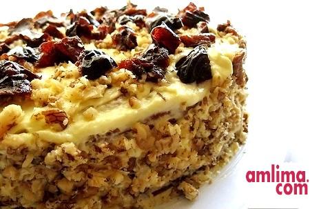 Торт з чорносливом і горіхами - феєрія смаків