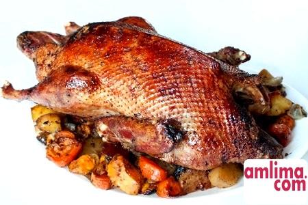 Традионный російський рецепт - качка з гречкою