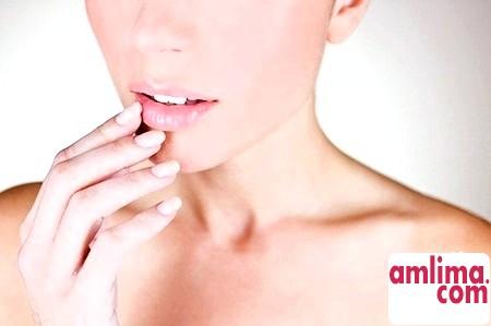 Тріщини в куточках губ: профілактика та лікування