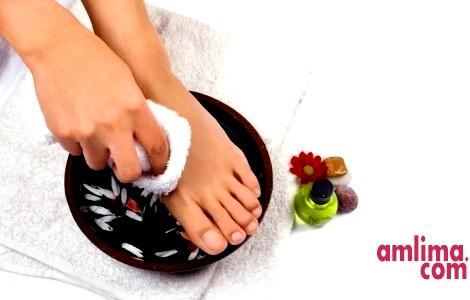 догляд за нігтями на ногах