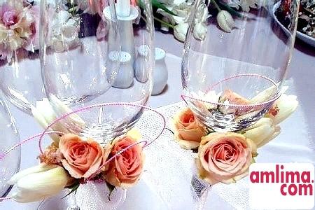 Прикраса келихів на весілля своїми руками