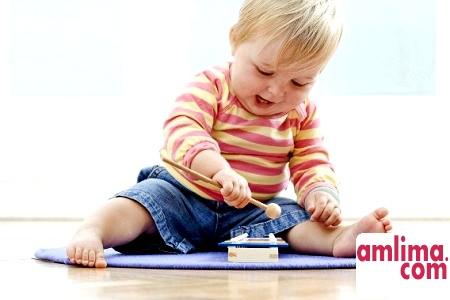 Уроки для батьків: ранній розвиток дітей до року