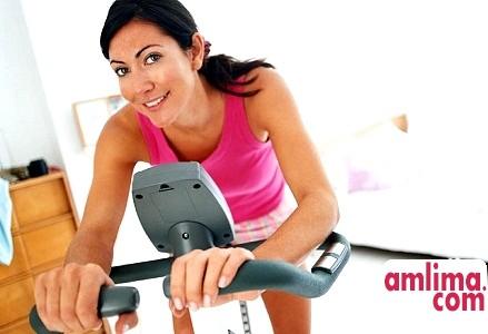 Велотренажер для схуднення: користь для організму