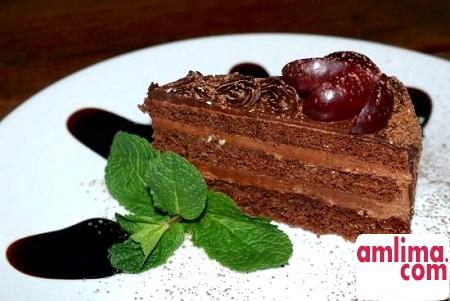 Смачний десерт: празький торт
