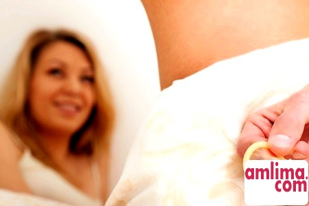 оральні контрацептиви можуть стати причиною кров`янистих виділень