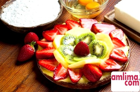 Желейний торт з фруктами: смачний десерт для спекотного літа